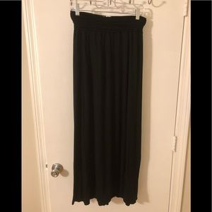 Black maxi skirt size medium